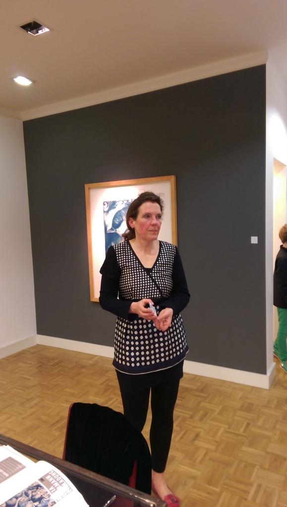 """Eröffnung der Ausstellung """"Tiefer Schlaf"""" von Katia Liebmann in Oldenburg. Katia Liebmann arbeitet mit frühen grafischen und fotografischen Verfahren.Zu den Mitteln zählt eine der ältesten fotografischen Techniken, die Cyanotypie, mit ihren blau changierenden Tönen."""